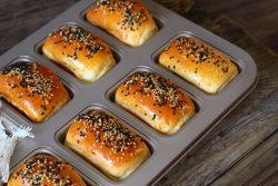 Hướng dẫn chi tiết cách làm bánh mì nhân chà bông ngon không tưởng