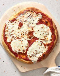 Cách đơn giản nhất để làm đế bánh Pizza ngon tuyệt ngay tại nhà