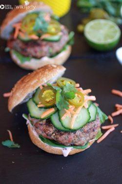Hướng dẫn làm bánh mì burger kiểu châu Á thơm ngon không thể chối từ
