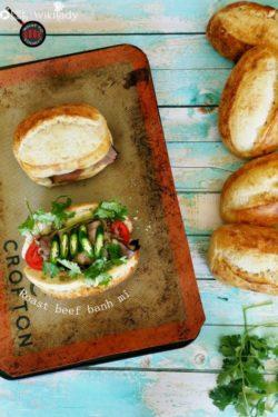 Cách làm bánh mì với thịt bò nướng đơn giản, tuyệt ngon