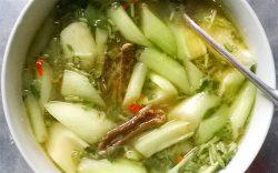 Canh lươn nấu dọc mùng lạ mà ngon