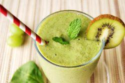 Làm sinh tốt với sinh tố kiwi chuối cho da sáng dáng xinh