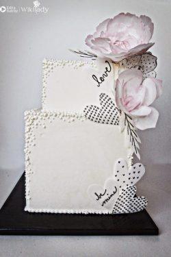 Hướng dẫn trang trí bánh kem bằng hoa giấy gạo (Wafer Paper)