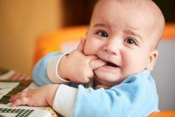 Cách giảm đau mọc răng cho bé mẹ nên biết