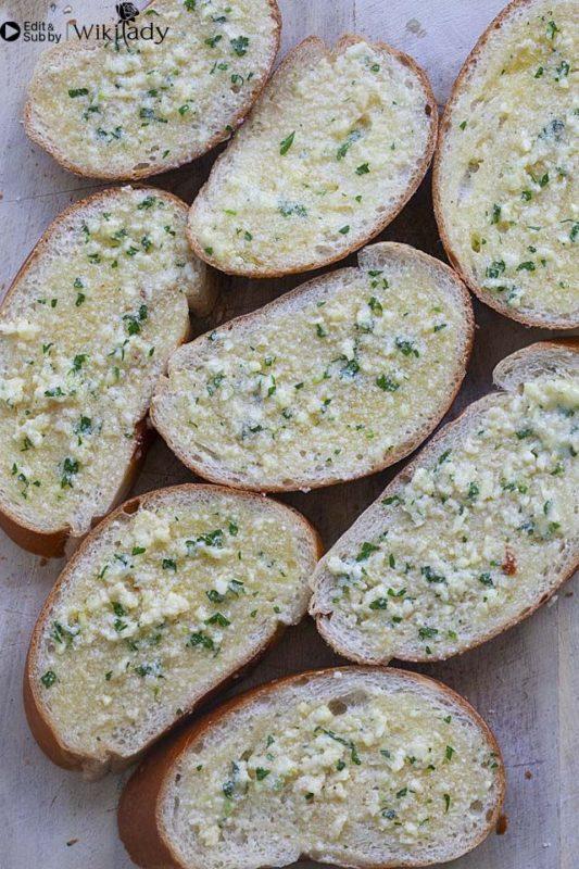 bánh mì bơ tỏi 3
