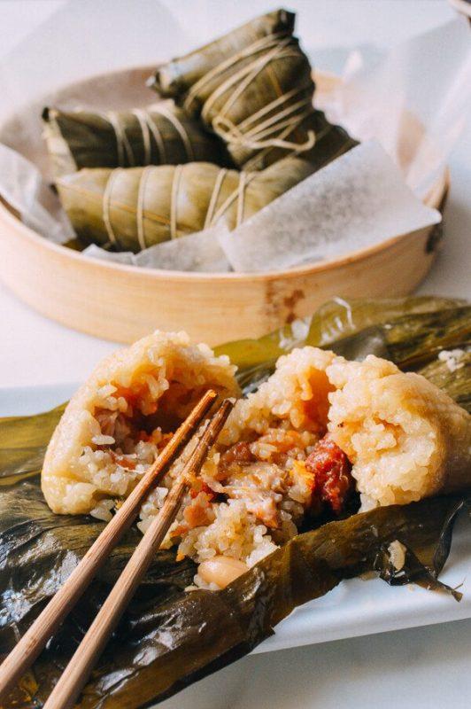Hướng dẫn cách làm bánh nếp Zongzi (zongzi cantonese)