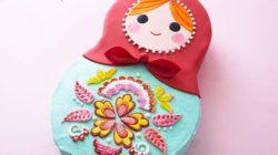 Cách trang trí bánh kem hình búp bê Nga xinh xắn