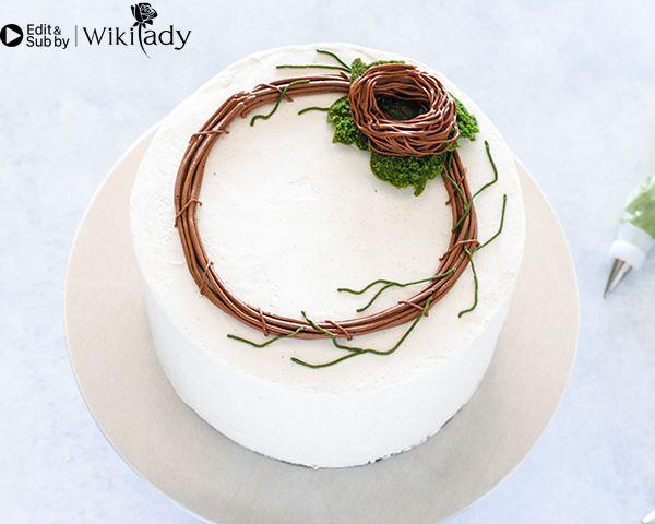 Cách làm vòng hoa trang trí bánh 12