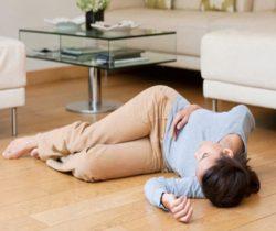 Xử trí thế nào khi gặp người đột ngột ngất xỉu?
