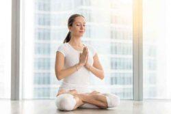 Thiền sư Thích Nhất Hạnh hướng dẫn cách vượt qua trầm cảm nhờ ngồi thiền