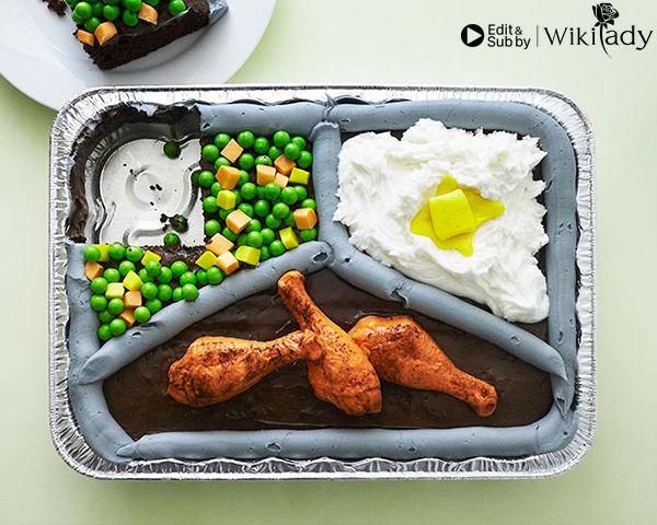 trang trí bánh thành khay cơm 2