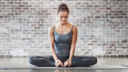"""Động tác yoga đơn giản giúp chị em loại bỏ bệnh phụ khoa, tốt cho """"chuyện ấy"""""""