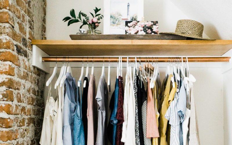Giải pháp lưu trữ quần áo thông minh cho những người phòng nhỏ