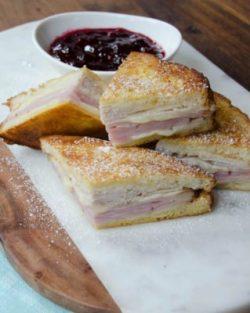 Cách làm Monte Cristo Sandwich bằng nồi chiên không dầu