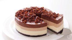 Cách làm bánh mousse chocolate 3 lớp mềm ngon