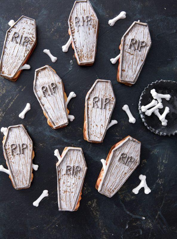 bánh quy hình quan tài độc đáo