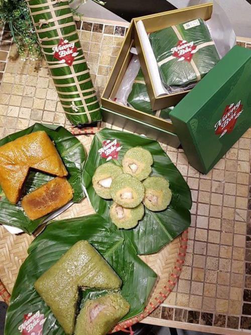 """""""Mục sở thị"""" chiếc bánh chưng đắt nhất Việt Nam"""