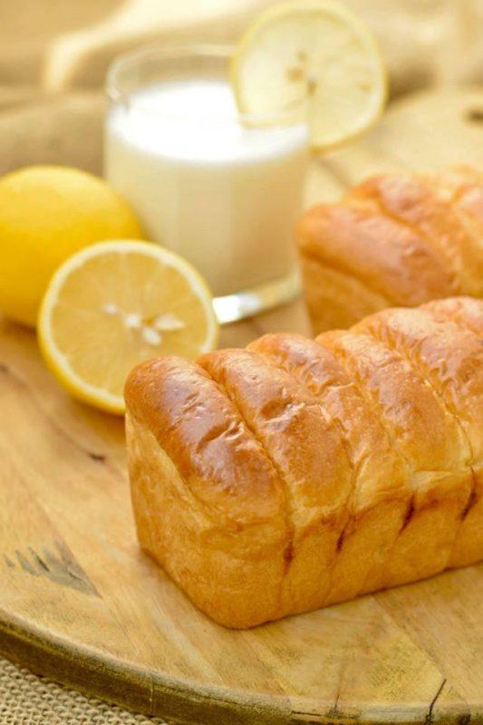 Bánh mì sữa chua - Lemon Yogurt Sweet Roll ngon đúng điệu trong từng thớ bánh