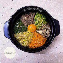 Cách làm cơm trộn Hàn Quốc siêu ngon, bạn trẻ thích mê.
