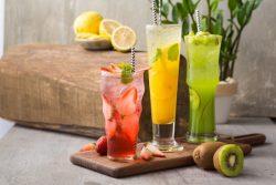 Giải nhiệt ngày nóng với trà trái cây tươi mát tại nhà